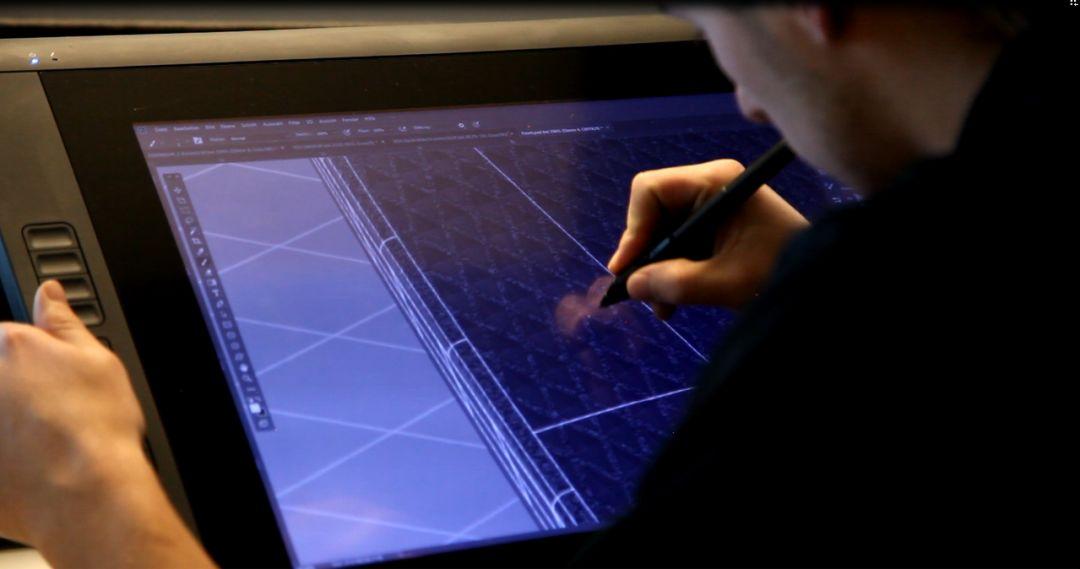 这两家欧洲模具制造巨头,用激光纹理加工突破传统限制!