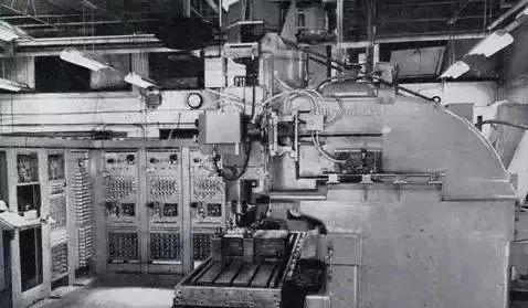 你知道中国第一台数控机床是什么时候制造的吗?