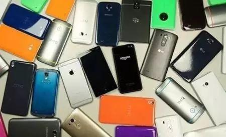 为什么手机用两年就会卡?终于清楚原因了