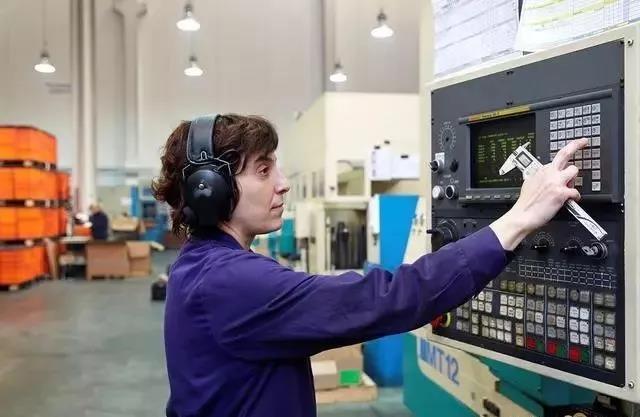 数控机床电源的常见故障及解决方案